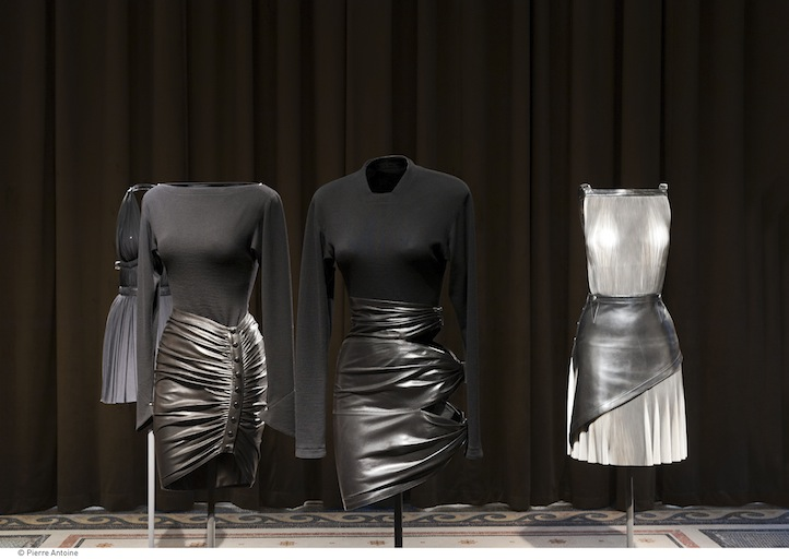 The palais galliera honors couture designer azzedine ala a for Designer alaia azzedine