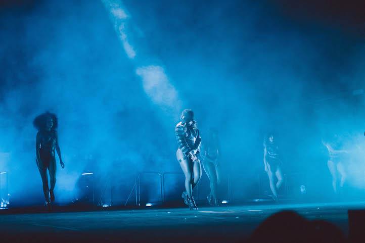 , On The Run Tour: Dallas, Life+Times